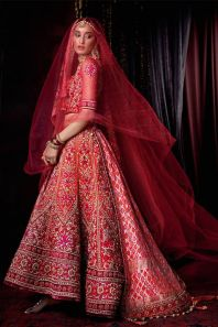 Indian-Designer-Bridal-Dresses-Wedding-Trends-2016-2017-Collection-22