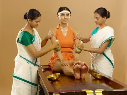 Elakizhi-ayurvedic-treatment-2