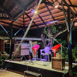 Live Music & Bonfire Area